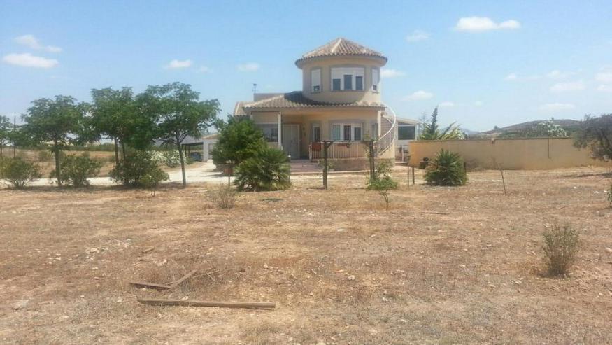 Klasse Villa mit Salzwasser-Pool - Haus kaufen - Bild 1