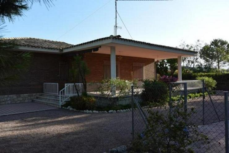 Stadtnahes Landhaus - Haus kaufen - Bild 1