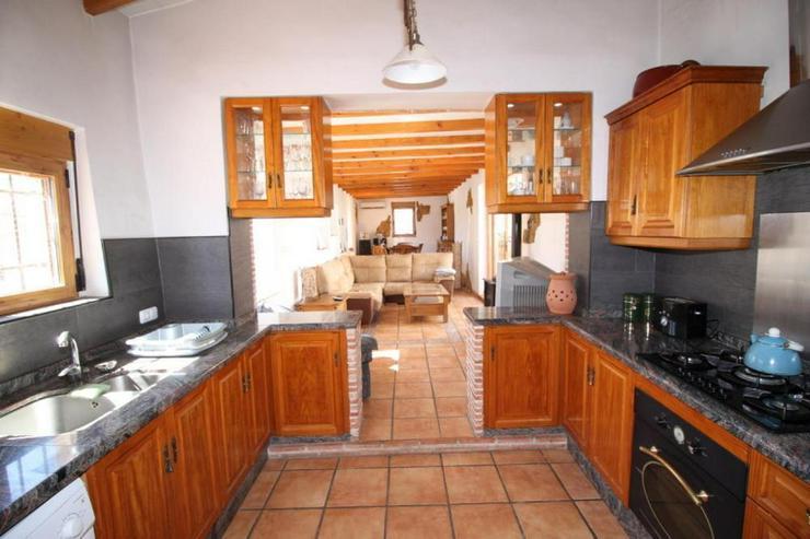 Bild 4: Beeindruckendes Haus in den Weinfeldern um La Romana