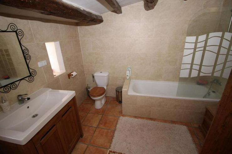Bild 6: Beeindruckendes Haus in den Weinfeldern um La Romana