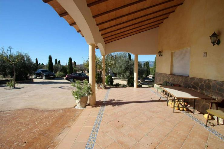 Bild 6: Grandiose Villa mit zusätzlichem Gästehaus
