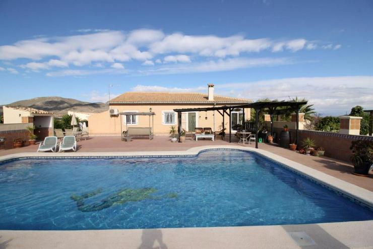 Tolle Villa - Haus kaufen - Bild 1