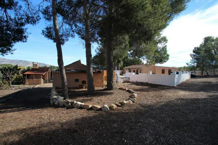 Bild 5: Hier lässt es sich leben* Landhaus mit Flair