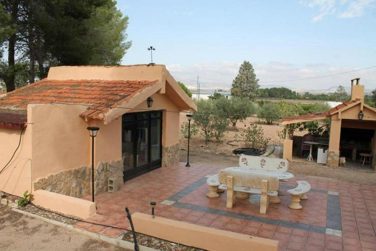 Bild 4: Hier lässt es sich leben* Landhaus mit Flair
