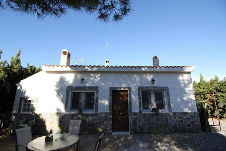 Gemütliches Ferienhaus - Haus kaufen - Bild 1