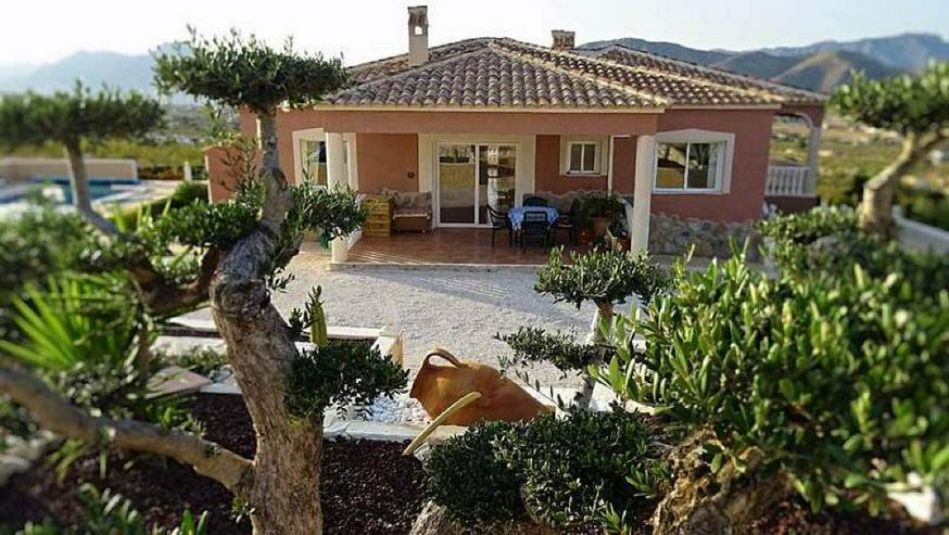 Absolute private Lage - Mega Villa - Haus kaufen - Bild 1