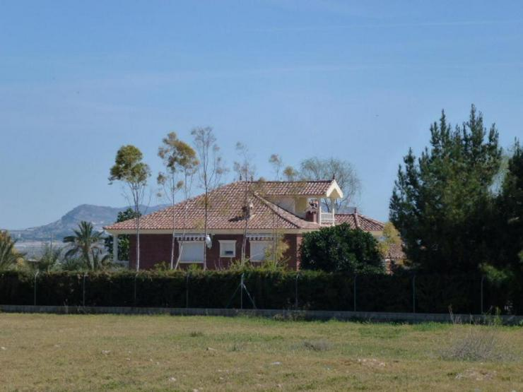 Bild 3: Beeindruckende Villa