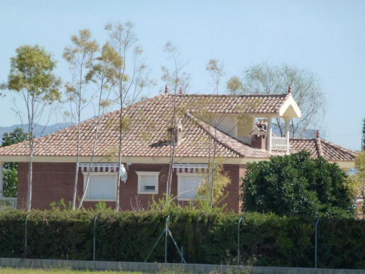 Bild 6: Beeindruckende Villa
