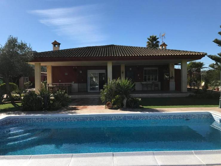 Hinreißende Villa! - Haus kaufen - Bild 1