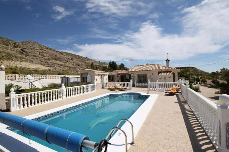 Schönes Landhaus - Haus kaufen - Bild 1
