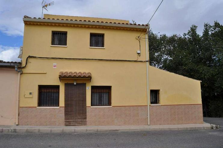 Bild 4: Viel Platz in diesem Dorfhaus