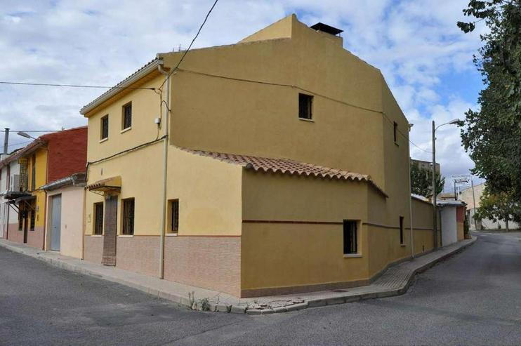Bild 1: Viel Platz in diesem Dorfhaus