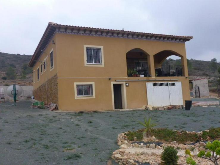 Geniessen Sie den traumhaften Ausblick von diesem Landhaus - Haus kaufen - Bild 1