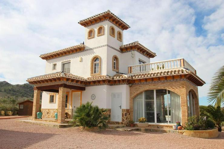 Atemberaubende Villa in einer fabelhaften Lage - Haus kaufen - Bild 1