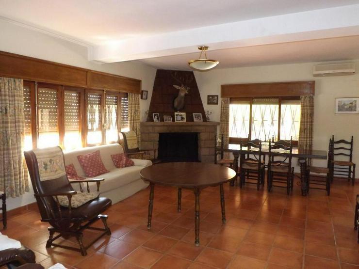Bild 7: Gepflegte Villa in ruhiger Lage