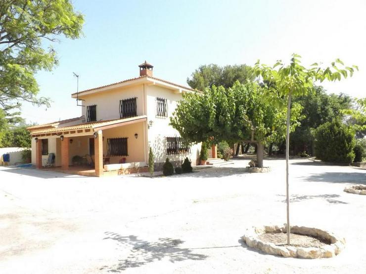 Bild 3: Gepflegte Villa in ruhiger Lage