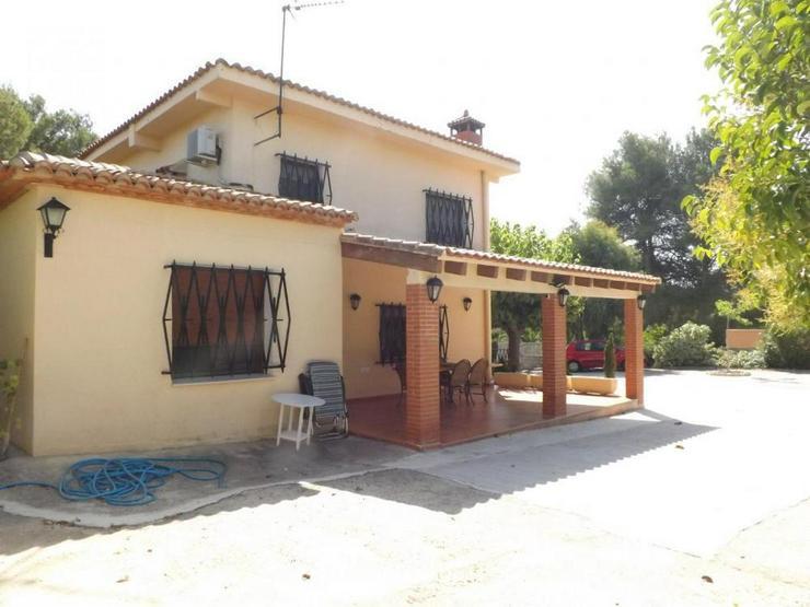 Bild 5: Gepflegte Villa in ruhiger Lage
