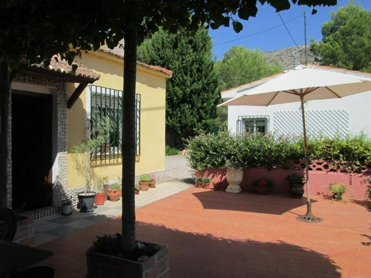 Typisches Spanisches Landhaus - Bild 1