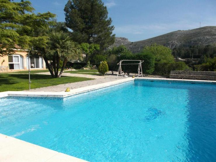 Bild 6: Top Villa mit Pool