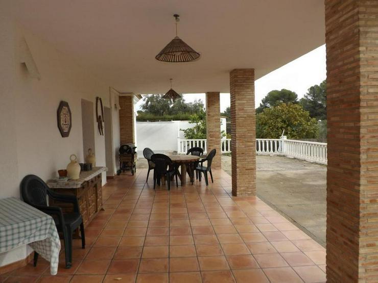 Bild 3: Wohnliches Landhaus
