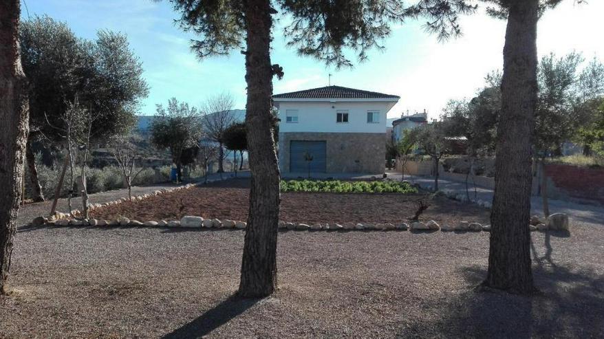 Großzügiges Landhaus - Haus kaufen - Bild 1