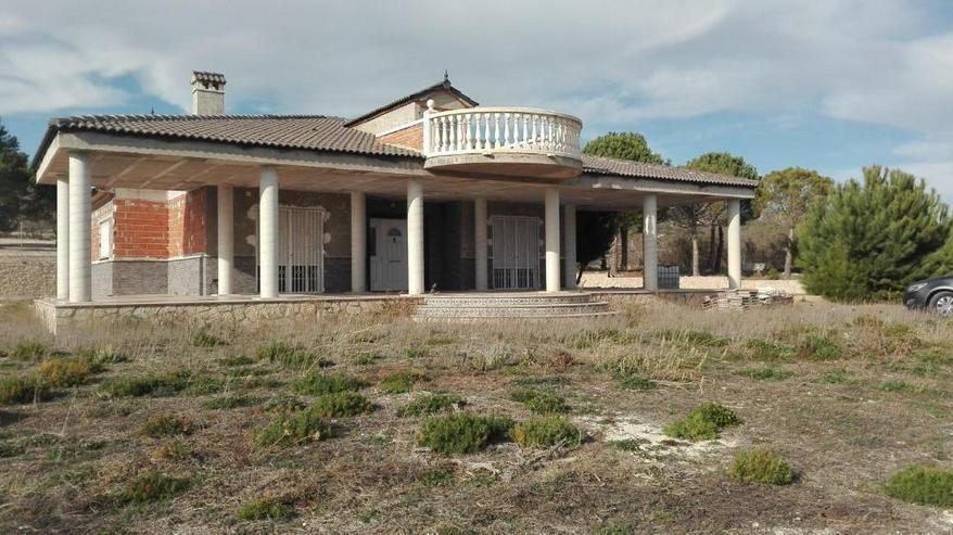 Erhabene Villa mit gigantischem Ausblick - Haus kaufen - Bild 1