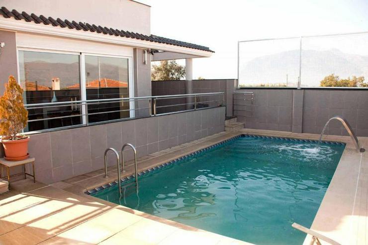 Bild 5: Moderne Villa