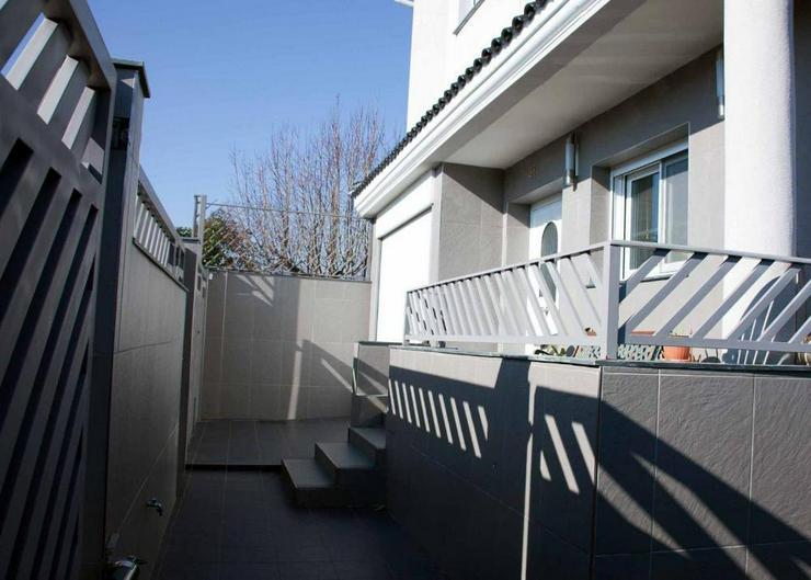 Bild 6: Moderne Villa