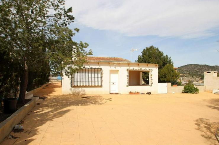 Bild 2: 1 Villa, 2 Casas de Campo, 2 Holzhäuser, 2 Pools und, und, und