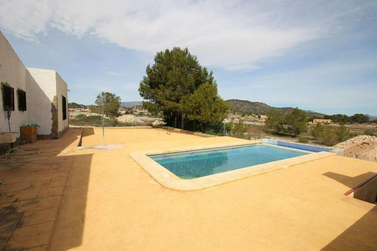 Bild 3: 1 Villa, 2 Casas de Campo, 2 Holzhäuser, 2 Pools und, und, und