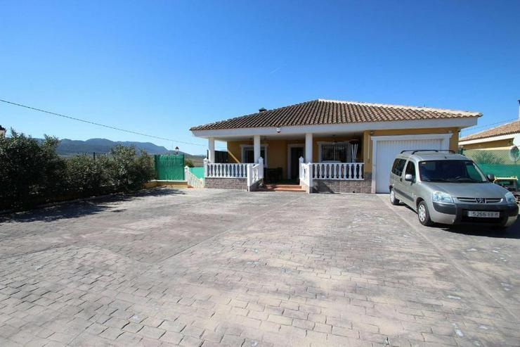 Villa - Bild 1