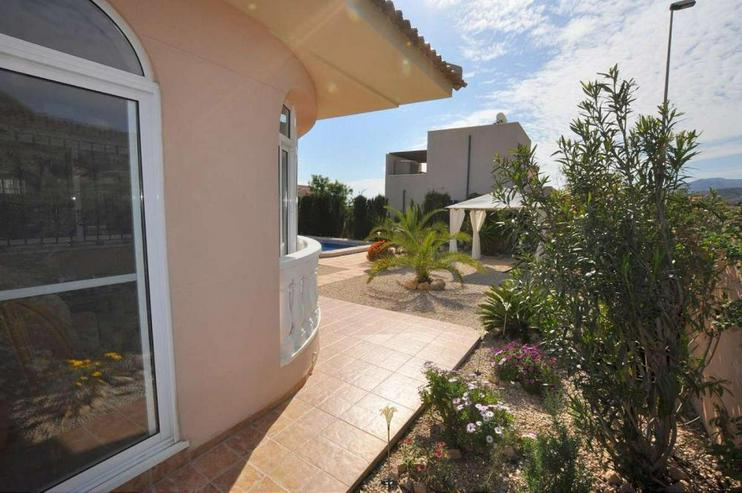 Bild 4: Las Kalendas - Villa am Rand der Urbanisation