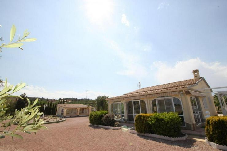 Bild 5: Geschmackvolles Landhaus mit Casita