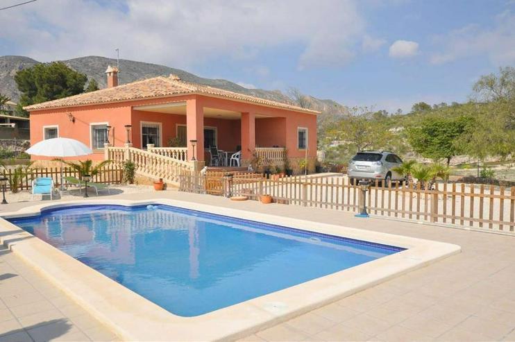 Wunderschönes Landhaus - Haus kaufen - Bild 1
