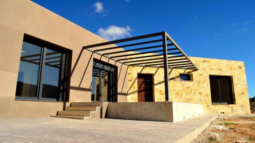 Neubau Villa - Bild 1
