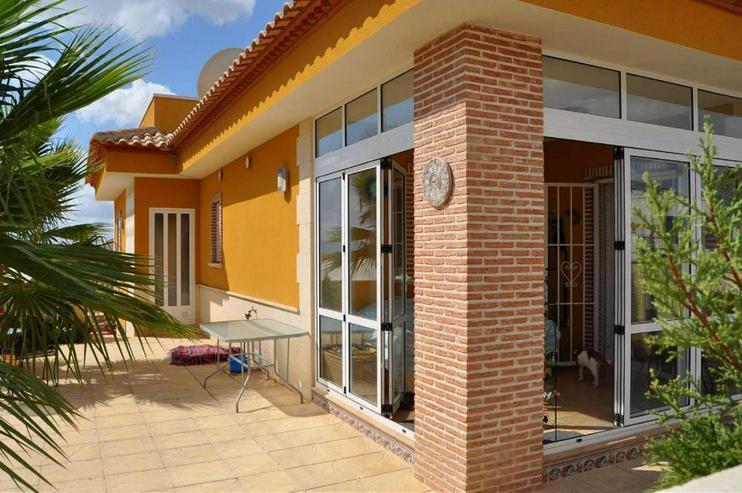 Anzahlung erhalten ***Helles und freundliches Haus in Urbanisation - Haus kaufen - Bild 1
