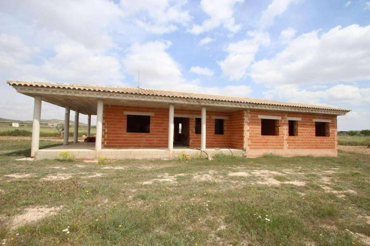 Villa im Rohbau * Drücken Sie Ihren Stempel auf* - Haus kaufen - Bild 1