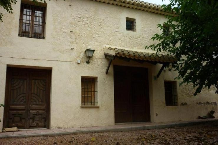 Bild 3: Landhaus zwischen Monovar und Pinoso