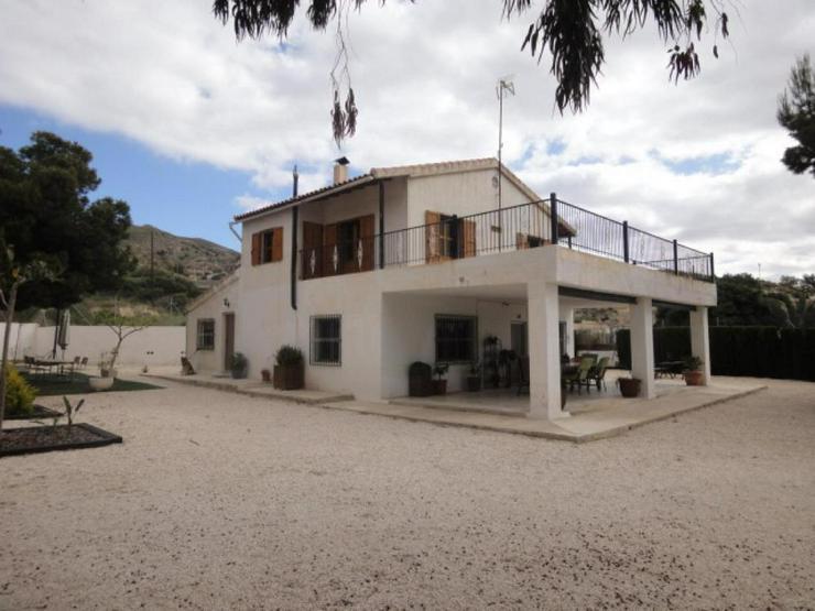 Großes Landhaus - Bild 1