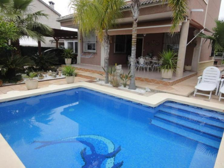 Bild 2: Gepflegte Villa