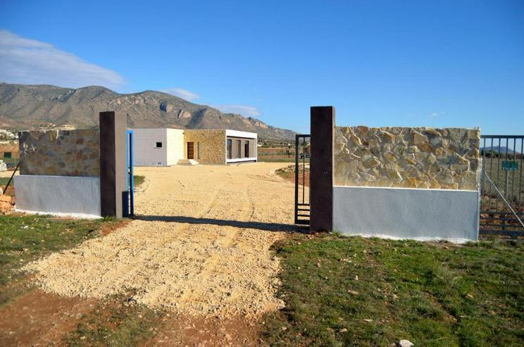 Bild 4: Modernes Neubau-Projekt
