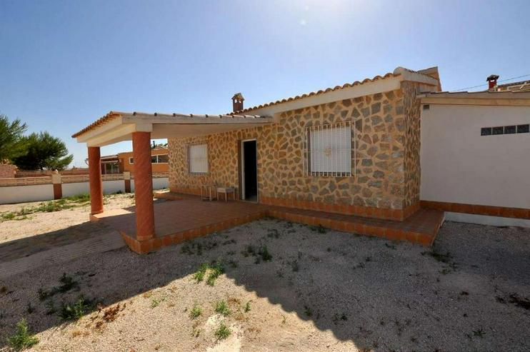 Bild 1: Landhaus