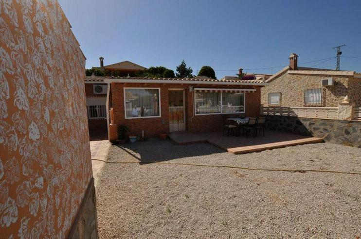 Bild 2: Freistehendes Haus in geschlossener Gemeinschaftsanlage