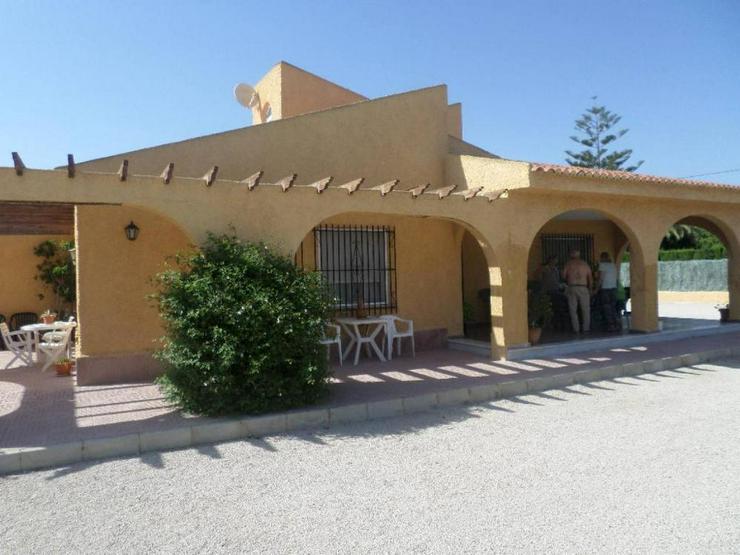 Bild 2: Große Villa in Perleta