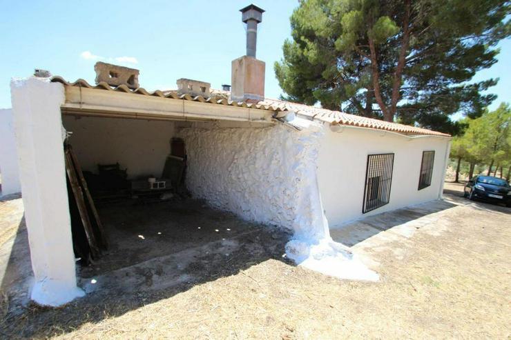 Bild 6: Traditionelles spanisches Landhaus mit viel Raum