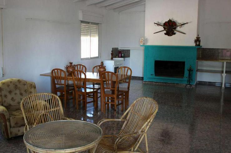 Bild 3: Traditionelles spanisches Landhaus mit viel Raum