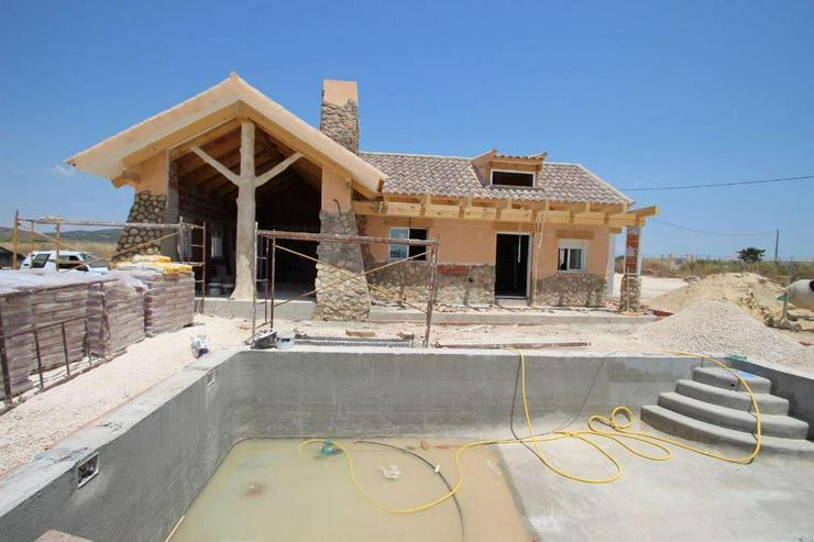 Neubau Villa mit fantastischem Blick auf die Sierra del Carche - Haus kaufen - Bild 1