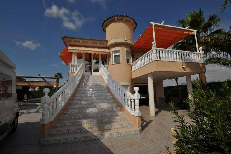 Traumhafte Villa - Haus kaufen - Bild 1
