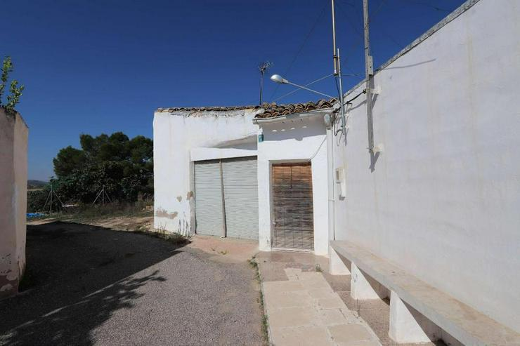 Bild 2: Echt spanische Casa de Campo zum Reformieren
