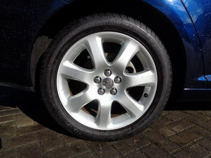 Bild 5: Toyota Avensis 2.0 VVT-i Executive